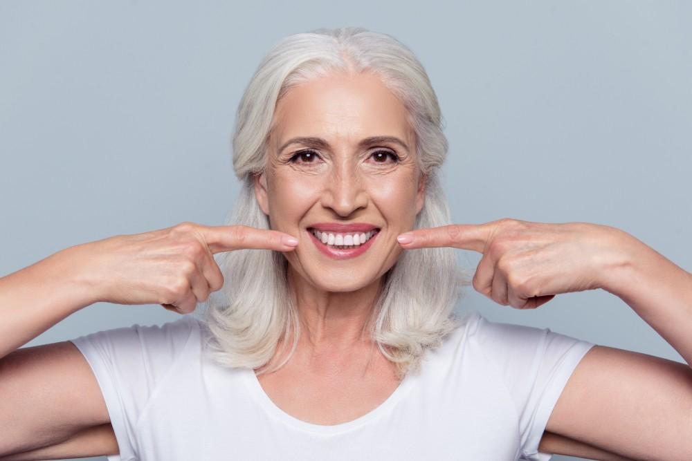 dental-implants-on-woman