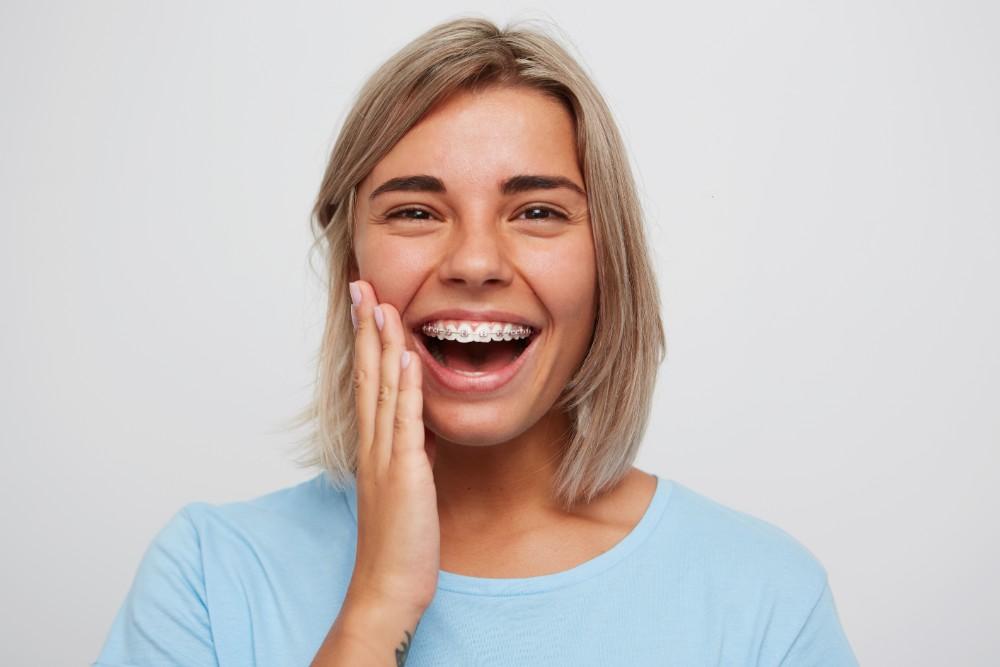 teeth-braces-woman